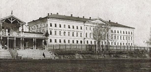 здание Министерства промышленности