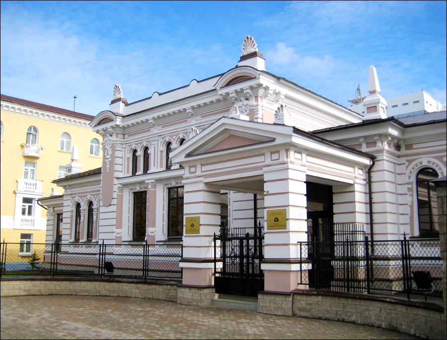 Здание Музея археологии